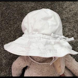 BabyGap Sun Hat - White - Size 6-12 Months